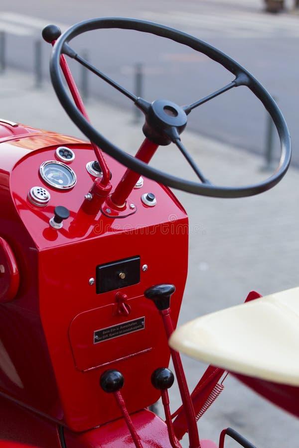Porche Junior traktor arkivfoto