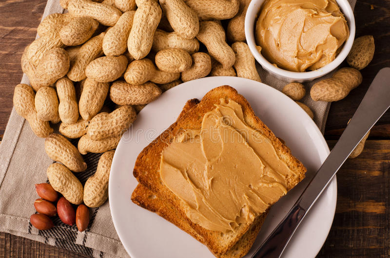 Porción de bocadillos de la mantequilla de cacahuete foto de archivo libre de regalías