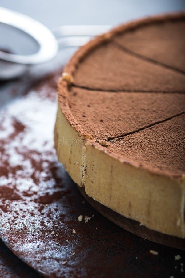 Porción de la porción de torta de chocolate fotos de archivo libres de regalías