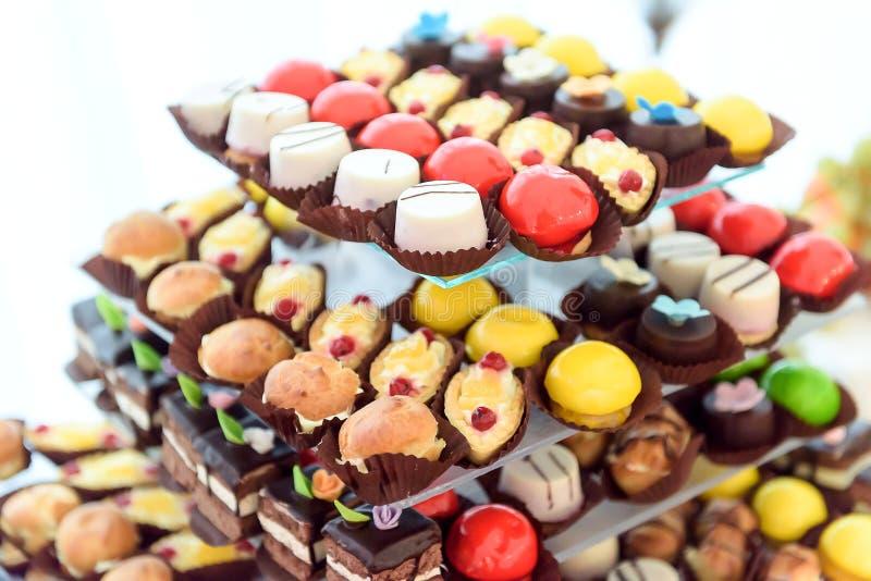Porción de tortas deliciosas foto de archivo libre de regalías