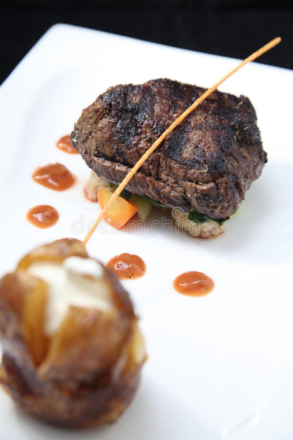 Download Porción Del Filete Del Filete Imagen de archivo - Imagen de restaurante, fondo: 30285349