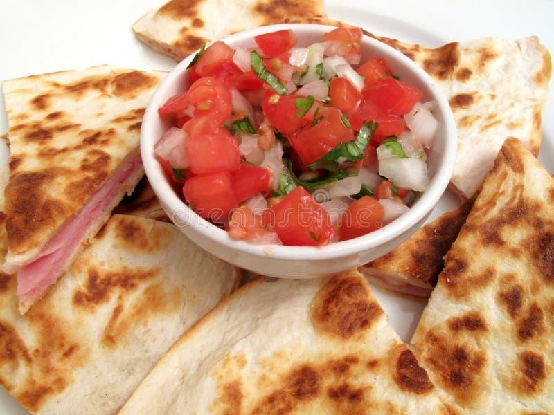 Porción mexicana del aperitivo del alimento imágenes de archivo libres de regalías
