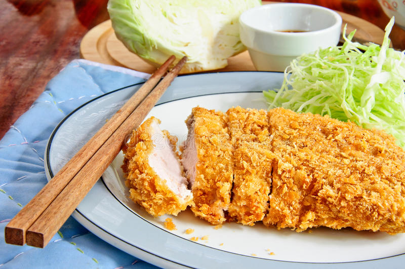 Porco fritto nel grasso bollente giapponese immagine stock libera da diritti