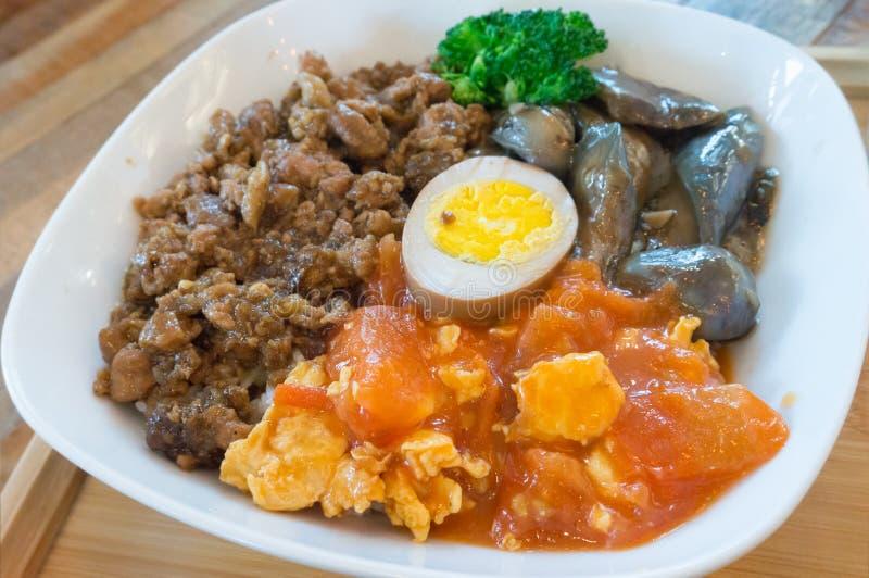 Porco picado de Taiwan sobre arroz fotografia de stock