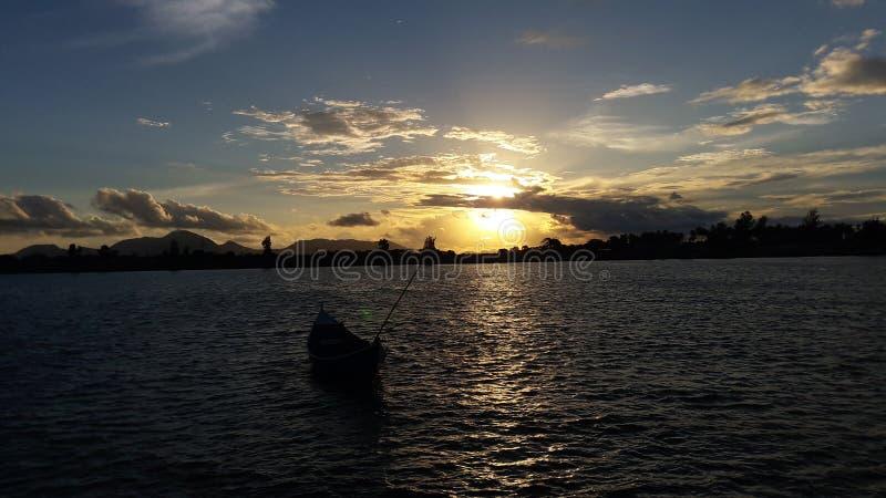 pores do sol em Banda Aceh fotografia de stock royalty free