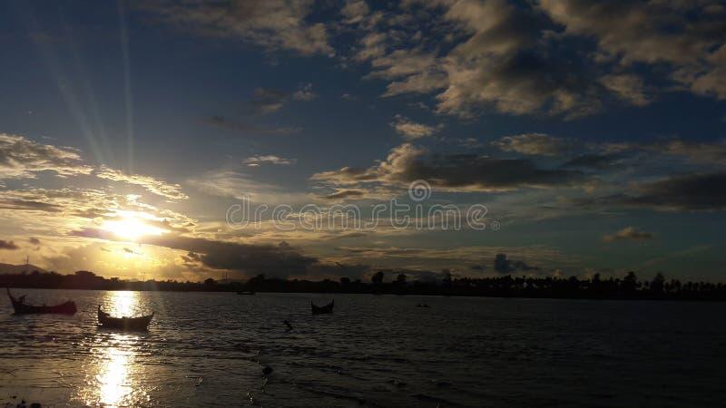 pores do sol em Banda Aceh imagem de stock royalty free