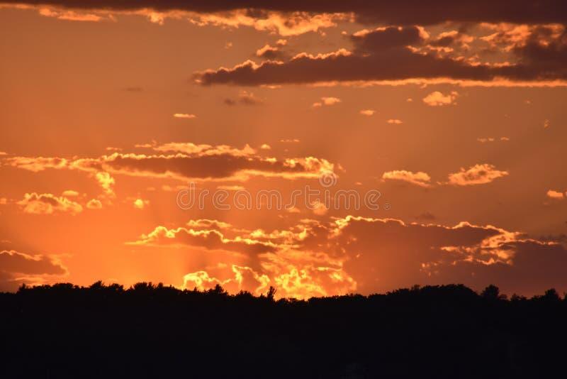Pores do sol extremos, cor incrível fotografia de stock royalty free