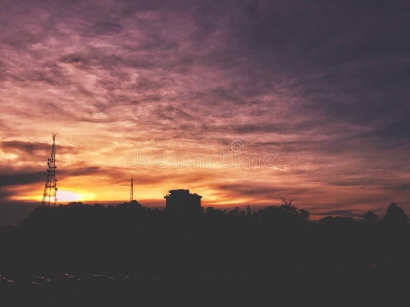 Pores do sol roxos fotografia de stock