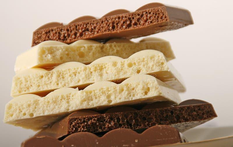 Download Poreuze chocolade stock foto. Afbeelding bestaande uit stuk - 39108360
