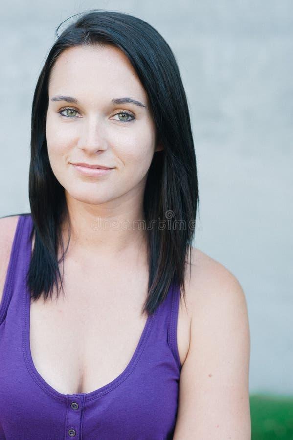 Poritrait di donna abbastanza giovane fotografia stock