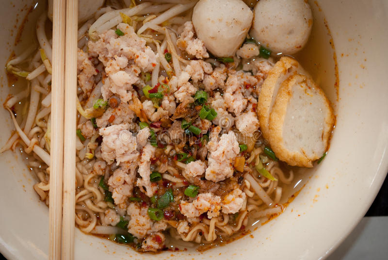 pork för bbq-matmalaysia nudel arkivbild
