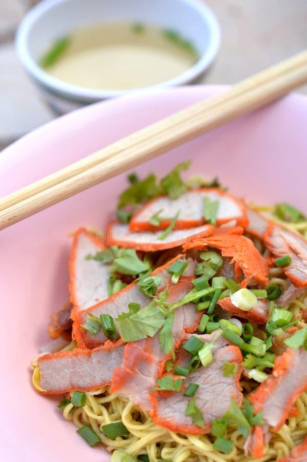 pork för bbq-matmalaysia nudel royaltyfria bilder