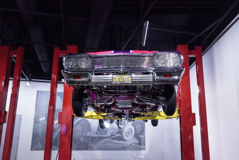 Porpora e dentelli Chevrolet Impala 1964 fotografia stock