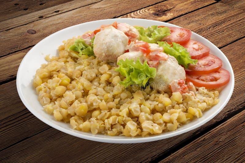 Porridge del pisello con il pollo cotto a vapore immagini stock libere da diritti
