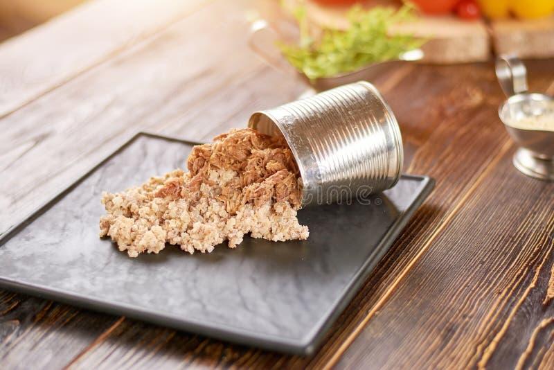 Porridge dell'orzo perlato con carne fotografia stock