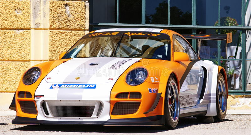 Download Porsche εκδοτική στοκ εικόνες. εικόνα από αθλητισμός - 17055978