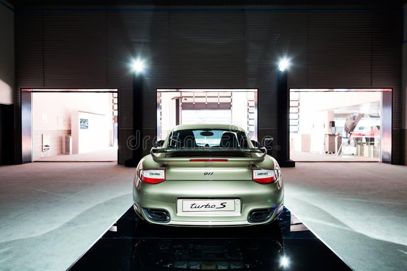 Porsche 911 auto voor verkoop stock afbeelding