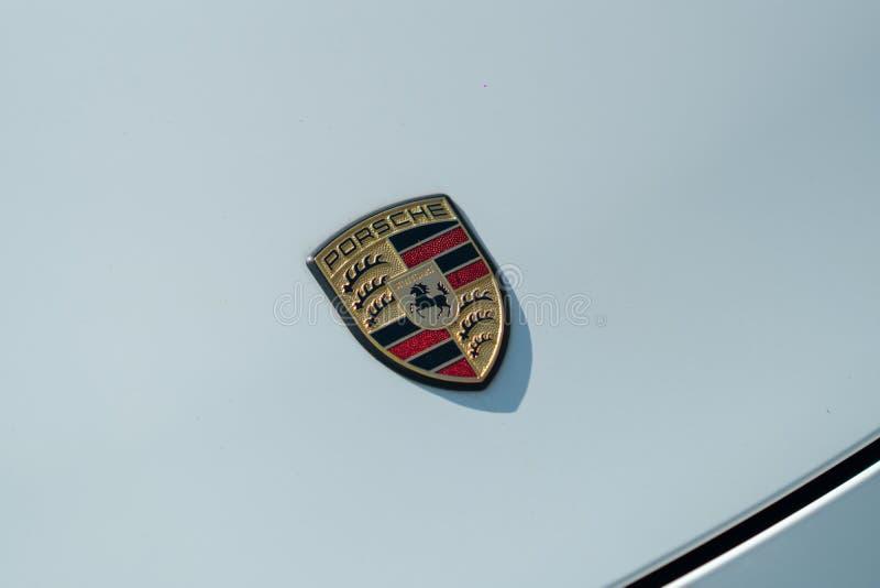 Porsche-Autoemblem lizenzfreie stockbilder