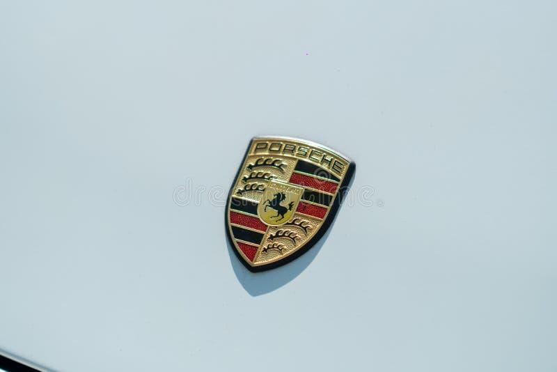 Porsche-Autoemblem lizenzfreie stockfotos