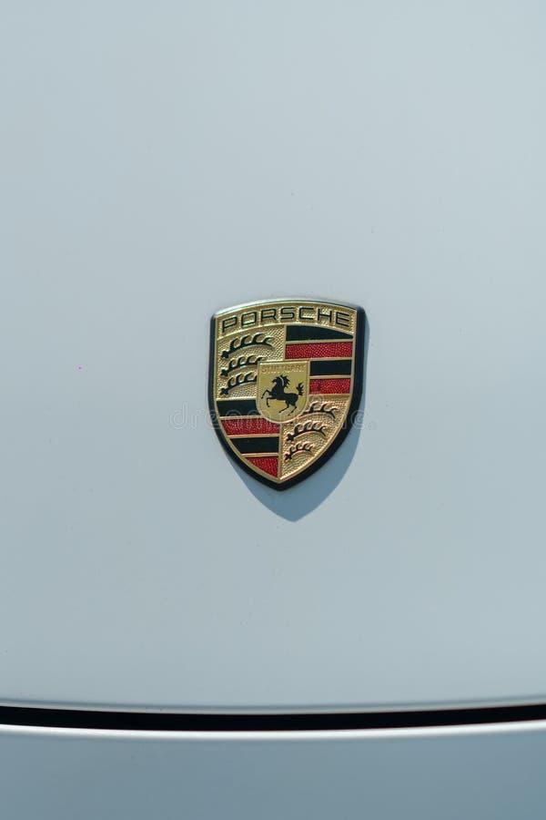 Porsche-Autoemblem stockbilder