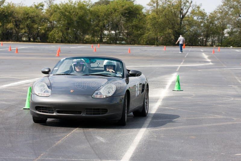 Porsche Boxster Autocrossing lizenzfreie stockfotografie
