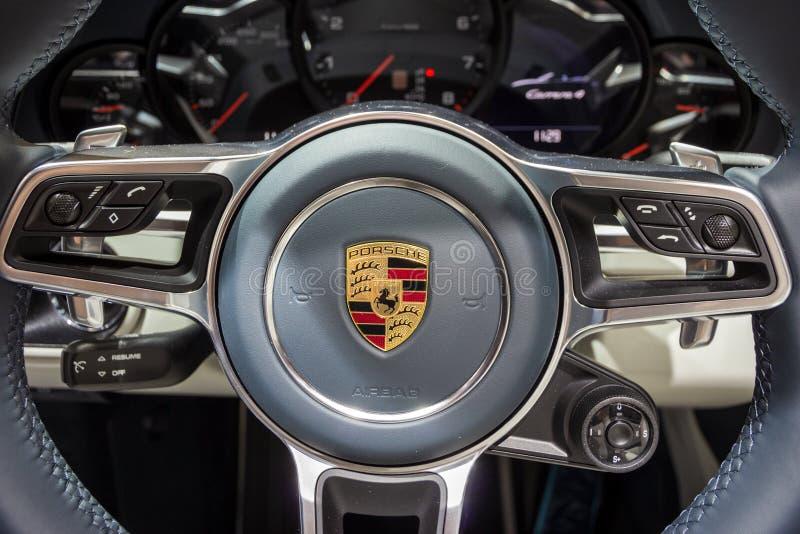 Porsche 911 Carrera 4 sportów samochodu kierownica zdjęcia royalty free