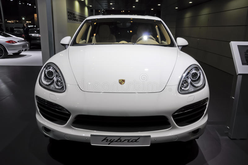Porsche Cayennepfeffer-s-Mischling lizenzfreies stockbild