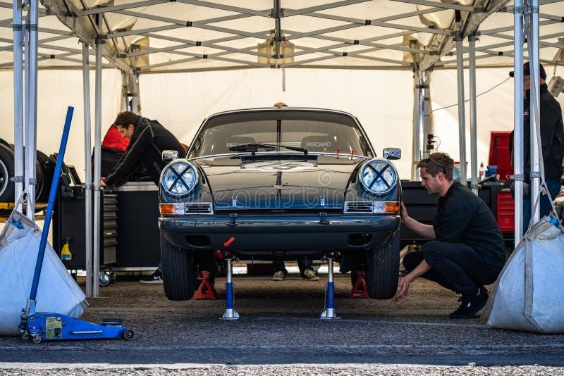 Porsche 911 in der montjuic Geist Barcelona-Stromkreisautoshow lizenzfreie stockfotografie