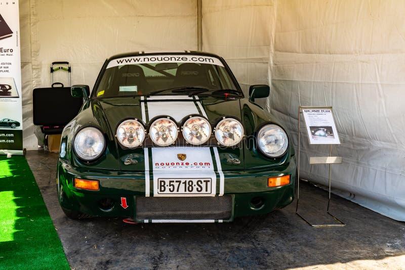 Porsche 911 in der montjuic Geist Barcelona-Stromkreisautoshow lizenzfreie stockbilder