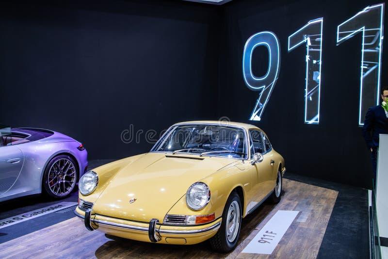 Porsche 911 F coche retro cl?sico viejo brillante y brillante de 1968 foto de archivo