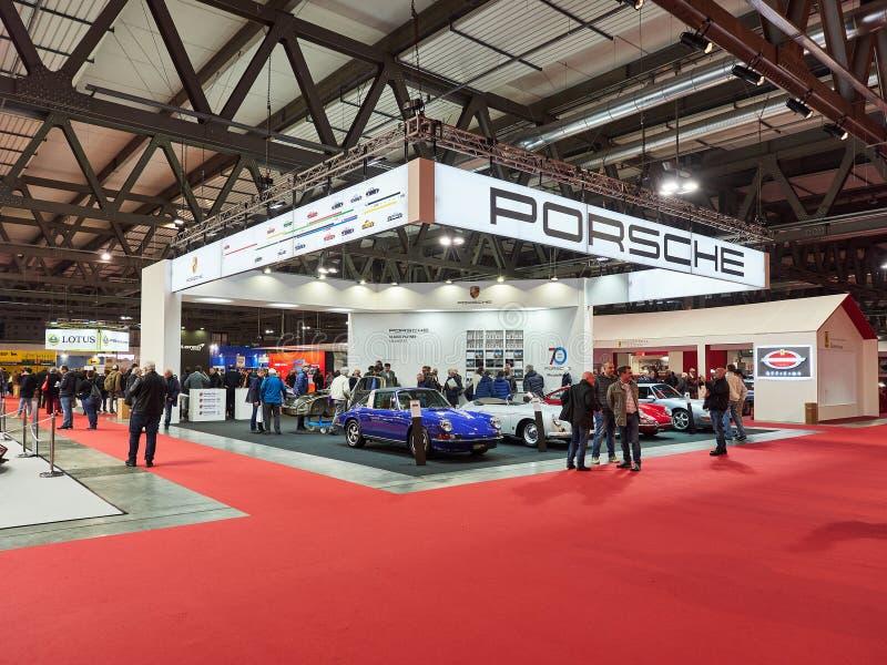 Porsche magistrali stojak przy Autoclassica Milano 2018 wydaniem Mediolan Lombardy Włochy, Listopad 23 -, 2018 - obrazy stock