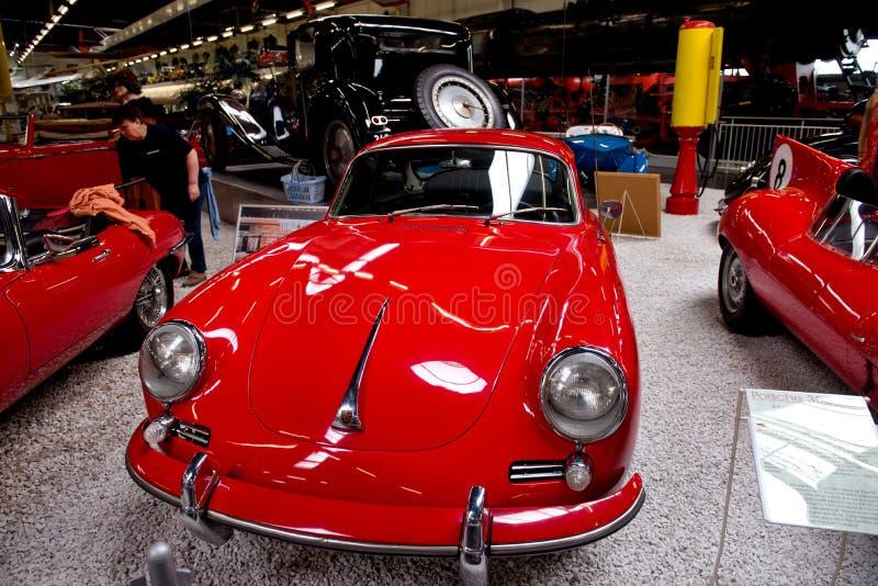 Download Porsche 356 - Museo Sinsheim Fotografia Editoriale - Immagine di esposizione, rosso: 55362362