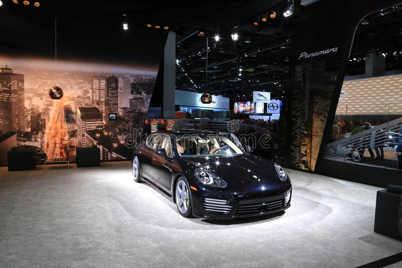 Porsche Panamera lyxmedel arkivbilder