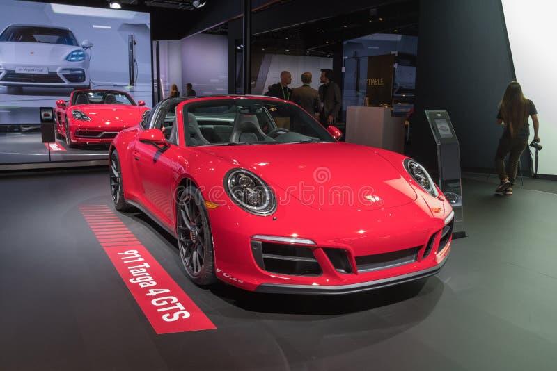 Porsche 911 Targa på skärm under auto show för LA royaltyfri fotografi