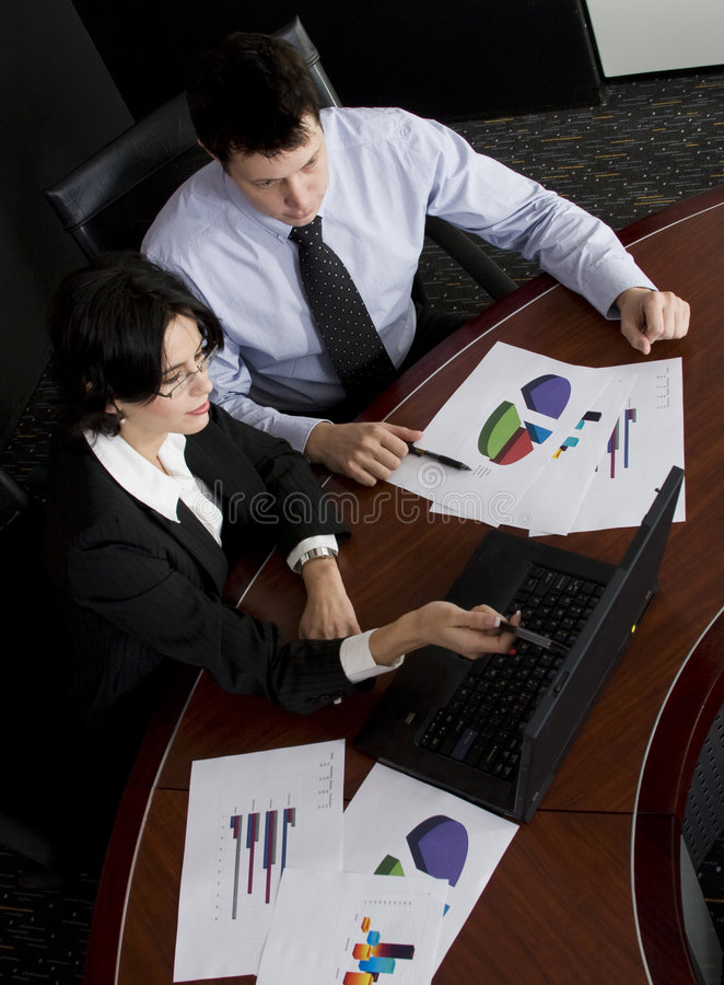 Portátil de Businessteam fotos de stock royalty free