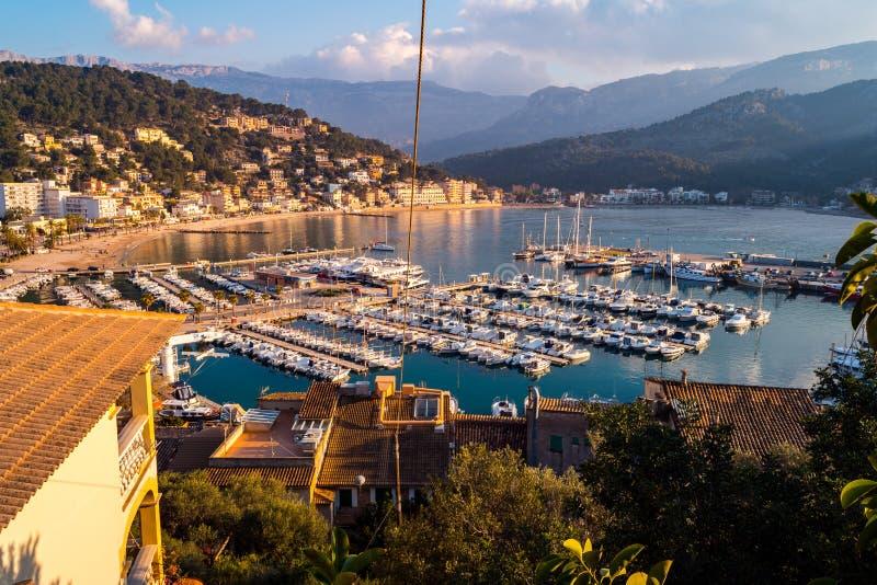 Port在日落的de索勒,马略卡 免版税库存照片