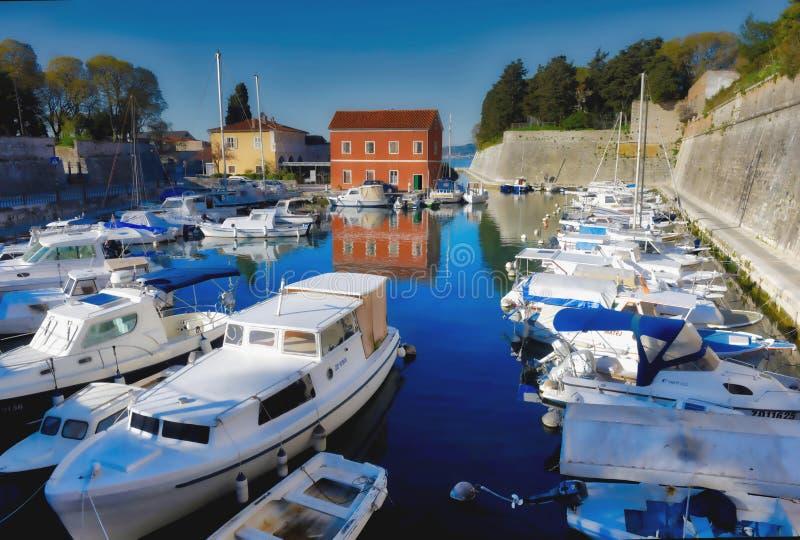 Port adriatique serré de bateau photographie stock