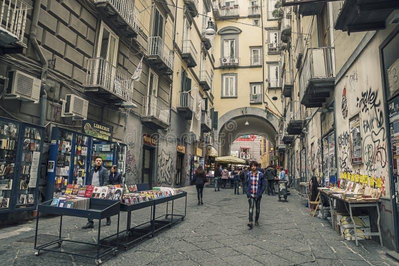Port'Alba kvarleva av en av stadsportarna av Naples fotografering för bildbyråer