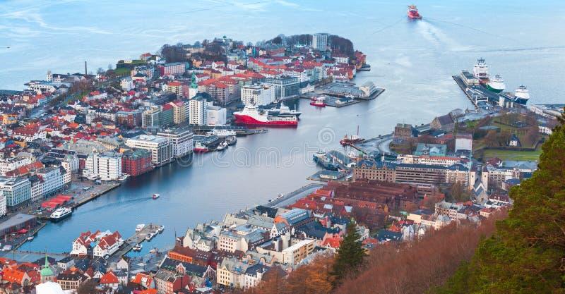 Port av Bergen, Norge flyg- sikt royaltyfria bilder