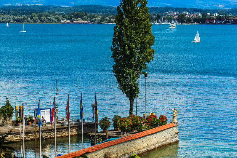 Port av blommaön Mainau, sjö Constance, Tyskland royaltyfria foton