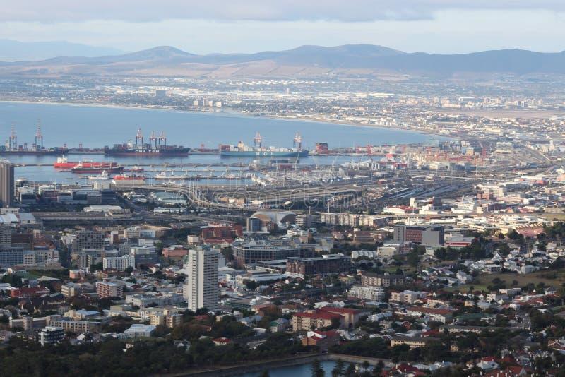 Port av den Cape Town behållareterminalen royaltyfria bilder