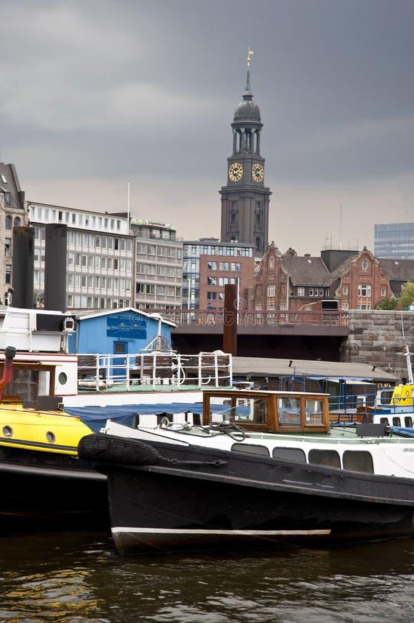 Download Port av Hamburg arkivfoto. Bild av port, kyrka, watercraft - 37345986