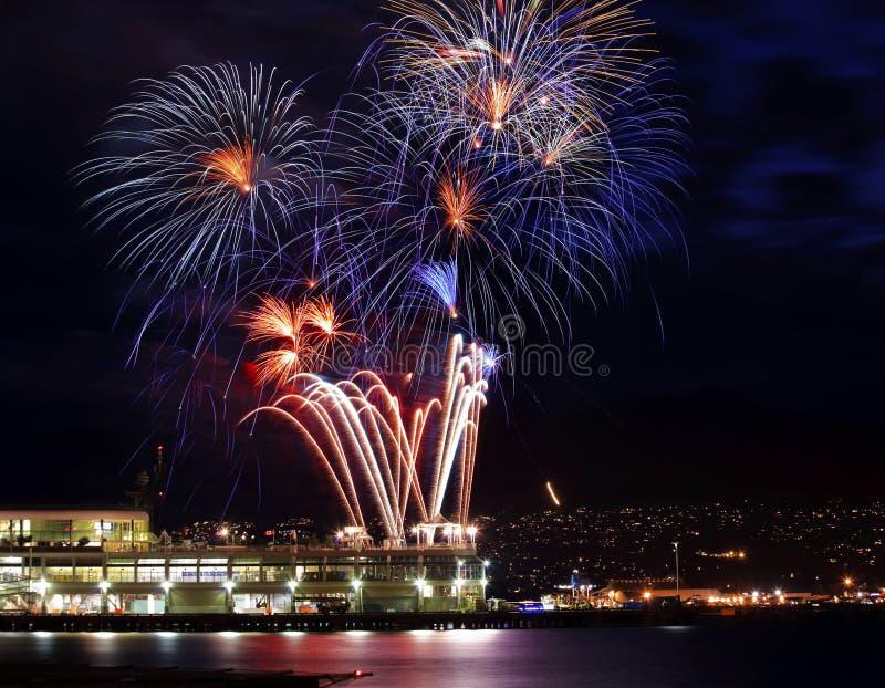 Port blanc bleu rouge de Vancouver de feux d'artifice BC photo libre de droits