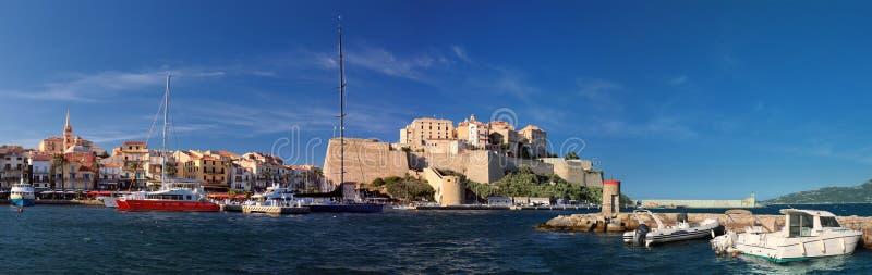 Port Calvi z cytadelą w tle Corsica zdjęcie stock