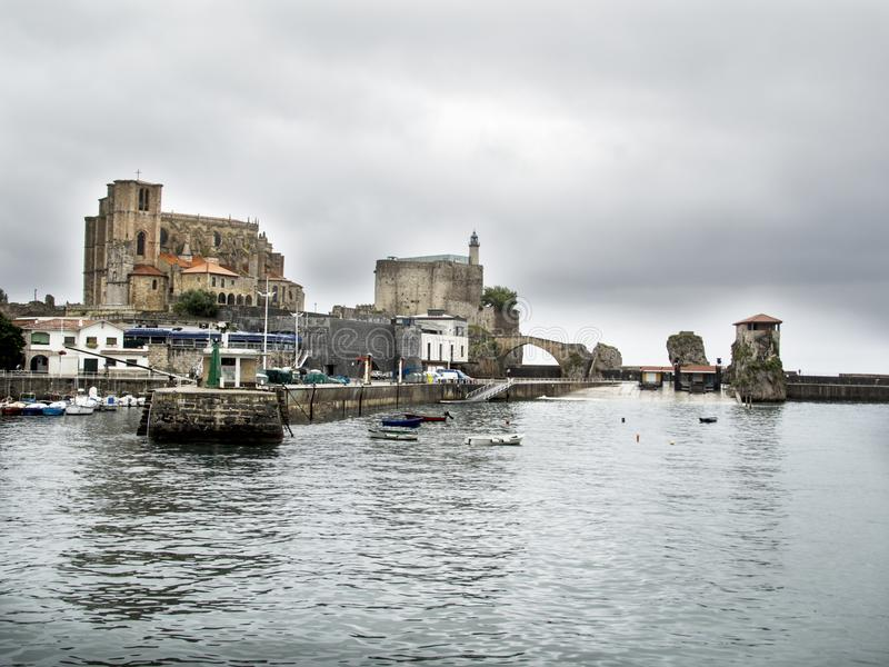 Port Castro Urdiales, północny Hiszpania fotografia stock