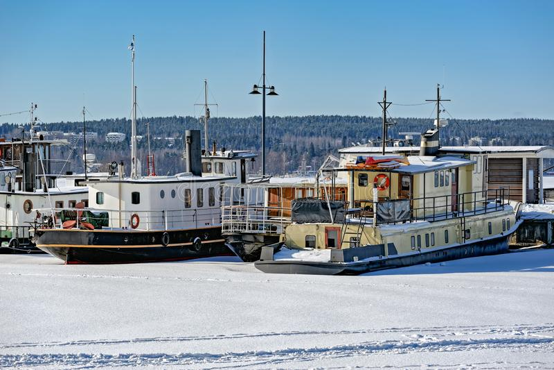 Port congelé à Lahti, Finlande photos libres de droits