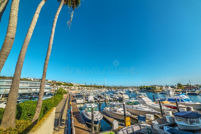 Port d'île de Balboa dans le Comté d'Orange photographie stock libre de droits