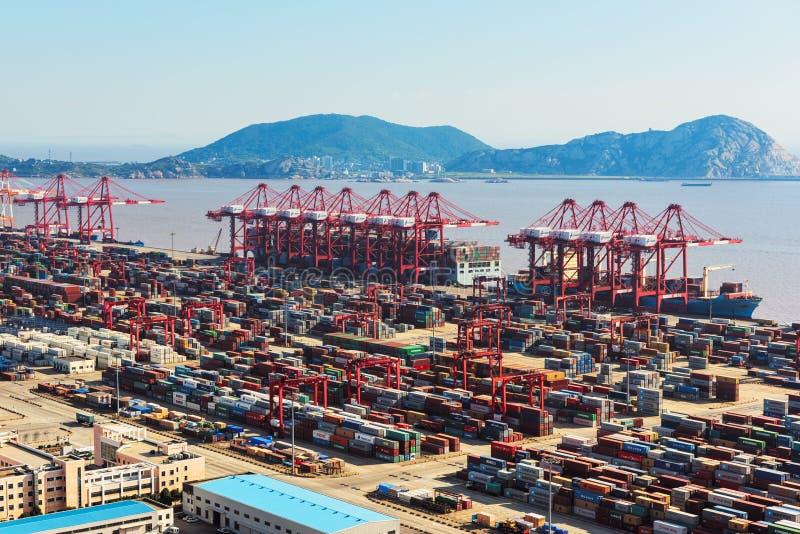 Port d'eau profonde de Changhaï Yangshan photographie stock
