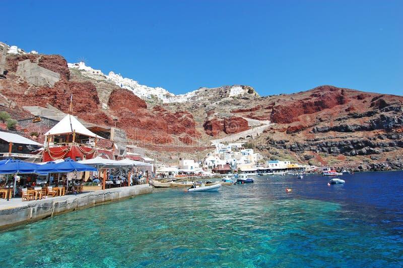 Port d'Oia, île de Santorini, Grèce photographie stock libre de droits