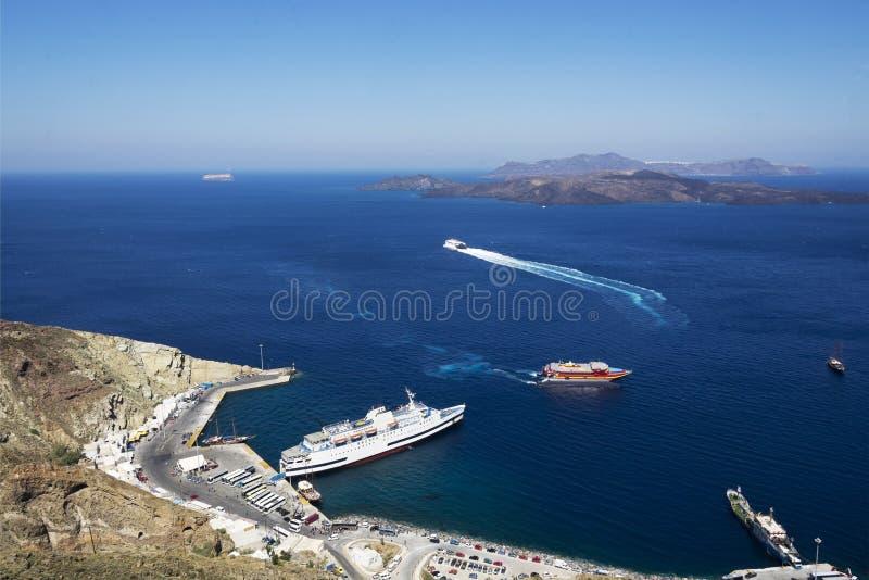 Port dans la caldeira de Santorini image stock